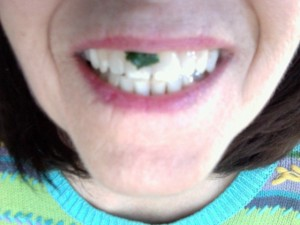 spinach on introvert teeth